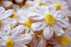 daisy cookies - you could chain them together Imat Yecart! xoxo