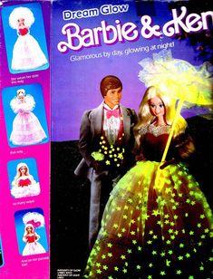 Glowing in the Dark Barbie&Ken-es leuchtete nie so schön wie auf der Verpackung...