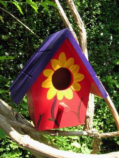 Donna's Art at Mourning Dove Cottage: Purple, red and yellow. Birdhouse Craft, Birdhouse Designs, Birdhouse Ideas, Birdhouse Post, Gourds Birdhouse, Bird Houses Painted, Bird Houses Diy, Painted Birdhouses, Rustic Birdhouses