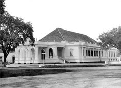 Batavia Schouwburg, also known as komedie gebouw or rumah komedie 1865