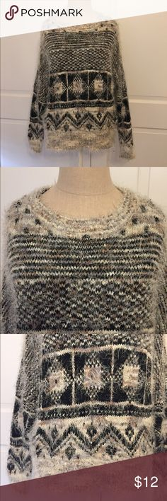 Fuzzy cozy sweater Forever 21 sweater is perfect for cold winter days. Cotton blend. Sweaters