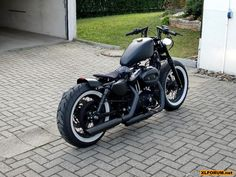 My dream machine ... Harley Davidson 883 iron with white walls !!