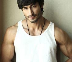 Vidyut Jamwal.....kinda looks like my hubbs