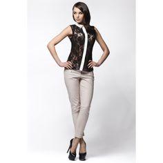 Camasa de dama din dantela Awama  #camasidama Smart Casual, Capri Pants, How To Wear, Fashion, Moda, Capri Trousers, Fashion Styles, Fashion Illustrations