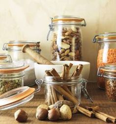 20 Tricks For Tackling Your Messy Pantry - Getty