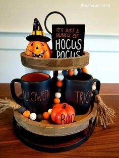 55 Ways To Decorate Your Tiered Tray for Halloween Tiered tray holiday decorations Halloween Home Decor, Halloween Design, Halloween House, Easy Halloween, Farmhouse Halloween, Halloween Decorations Apartment, Halloween Baking, Halloween Tricks, Halloween Celebration
