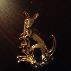 I just listed Kangaroo ($3) on Mercari! Come check it out! http://item.mercariapp.com/gl/m747647052