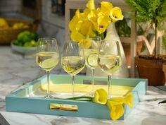 White Wine Spritzer recipe from Geoffrey Zakarian via Food Network Fun Cocktails, Cocktail Drinks, Fun Drinks, Yummy Drinks, Alcoholic Drinks, Holiday Drinks, Refreshing Drinks, Mixed Drinks, Wine Spritzer Recipe