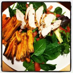 Cajun Chicken with Sweet Potato Wedges & Avocado Salad- A spicy protein packed salad! this looks amazing! Skinny Recipes, Clean Eating Recipes, Lunch Recipes, Cooking Recipes, Healthy Eating Tips, Healthy Snacks, Healthy Recipes, Michelle Bridges, Food Inspiration