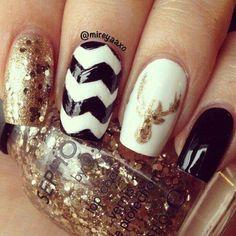 Chic holiday nails