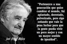 """""""Sigo pensando que vale la pena luchar para que la gente pueda vivir un poco mejor."""" Citas de personas de la historia: José Alberto Mujica Cordano, conocido popularmente como José Mujica o Pepe Mujica, es un político uruguayo, actual mandatario de la República Oriental del Uruguay. www.diariodeunabrujamoderna.com #universoamanda #secretosdefelicidadcotidiana #felicidad #diariodeunabrujamoderna"""