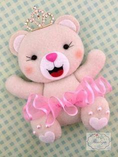 Princess Bear for Felt Garland for Girl Room Decoration - Arthur Marlow Felt Diy, Felt Crafts, Fabric Crafts, Sewing Crafts, Diy And Crafts, Felt Garland, Felt Ornaments, Felt Patterns, Felt Fabric