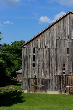 Old tobacco barn - Missouri