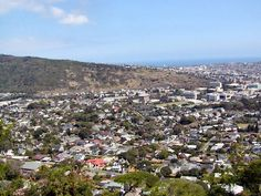 The views in Hawaii of Diamond Head, Waikiki, downtown Honolulu, and Punchbowl Crater are unlike any other when seen from Mount Tantalus and Round Top Drive. Oahu Things To Do, Round Top, North Shore, Nice View, Vacation Ideas, Grand Canyon, Dolores Park, Hawaii, Island