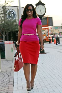 PLUS SIZE FASHION -  how to wear a pencil skirt to work, curvy girl wearing red pencil skirt, what to wear to work, fall color blocking, easy color blocking, colorblocking trend