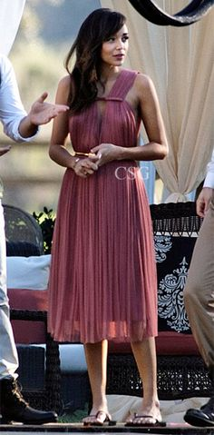 Ashley Madekwe, as wore this Pleated Silk-Blend Tulle Dress filming a scene on the set of Fandom Fashion, Fashion Tv, Fashion Beauty, Cheap Dresses, Dresses For Sale, Nice Dresses, Revenge Fashion, Celebrity Style Guide, Party Dress Outfits