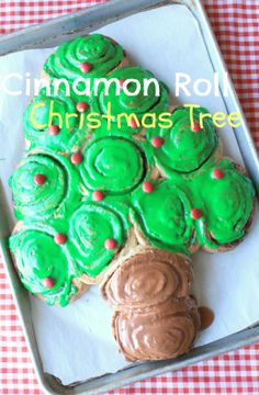 cinnamon+roll+Christmas+tree+001.JPG (1048×1600)