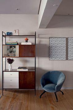 estante UL desenhada por Geraldo de Barros e adquirida por Johanna Birman na Legado Arte