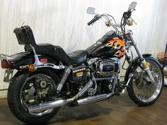Harley Davidson Fat Bob, Harley Davidson Pictures, American Motorcycles, Cars Motorcycles, Classic Bikes, Classic Cars, Amf Harley, Old School Chopper, Old Bikes