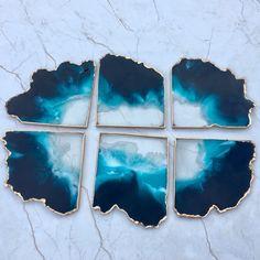 Ocean Centerpiece Resin Coasters – Set Of 6 – Luna Art Resin Ocean Centerpiece Resin Coasters – Set Of 6 … Diy Resin Dice, Diy Resin Table, Diy Resin Art, Diy Resin Crafts, Resin Pour, Ocean Centerpieces, Diy Resin Furniture, Earthy Home Decor, Homemade Crafts