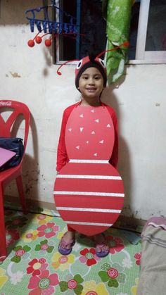 Diy ant costume... Yehey.... back of the ant must be done tomorrow! Her poem is on Wednesday! I need to rush!!!