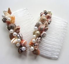 Beach Wedding Seashell Hair Combs  Nautical por beachgrasscottage