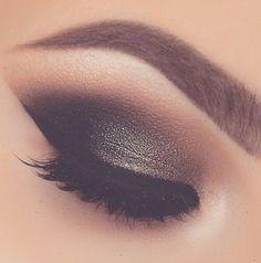 holiday makeup idea.