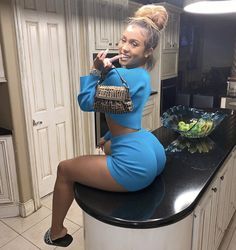 Do you want flat stomach? Do you want to build muscle and lose fat? chicken-n-wafflesx: chicken-n-wafflesx: April 21 2019 at Lex Dope Outfits, Fashion Outfits, Hip Hop Models, Bombshell Beauty, Sexy Shorts, Beautiful Black Women, Beautiful Ladies, Sexy Women, Curvy Women