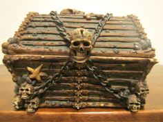 Disney Pirates of The Caribbean Treasure Chest | eBay