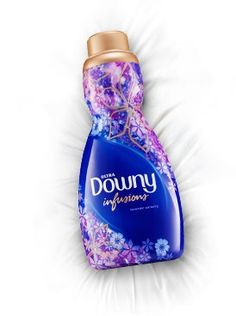 Fabric Conditioner Products - Transform your clothes and linens with Downy liquid fabric conditioners, sheets, and in-wash scent boosters. Diy Home Cleaning, House Cleaning Tips, Cleaning Hacks, Cleaning Supplies, Airbrush Legs, Washing Soap, Downy, Fabric Softener, Air Freshener