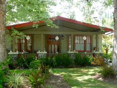 Craftsman-style bungalows in Pasadena (my old neighborhood) I really miss it