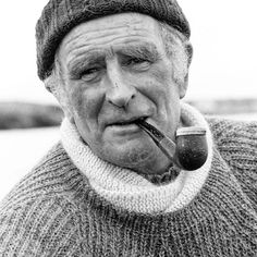 Using the finest yarns, Inis Meáin produces traditional Irish fisherman sweaters by fusing historically authentic stitches and timeless styles. Click the link in our profile to shop some of their classic offerings, now available at Club Monaco.