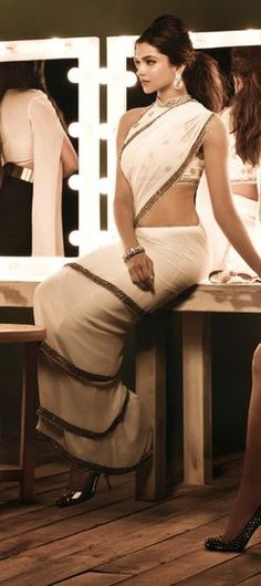 love how this saree is draped