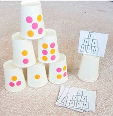 This is very clever I am loving this idea using paper cups Heidi the harmony tree house adelines hearts and crafts Kindergarten Classroom, Kindergarten Activities, Fun Math, Math Games, Teaching Math, Preschool Activities, Subitizing Activities, Number Sense Kindergarten, Toddler Learning Activities