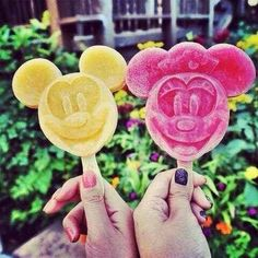 This Mickey and Minnie Mouse fruity ice lollypop would make me so happy! Disney love