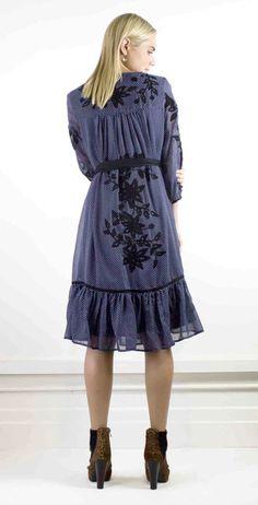 Easy elegance embroidered black flower dress #halcyonstate