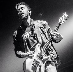 Mike Shinoda playing like a Boss on the guitar
