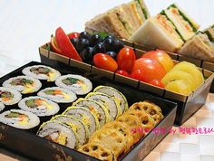 Kimbap and Sandwich 친구와의 짧은 여행을 위한 배빵빵도시락 Bento Recipes, Bento Ideas, Asian Recipes, Ethnic Recipes, Bento Box Lunch, What To Cook, Korean Food, Japanese Food, No Cook Meals