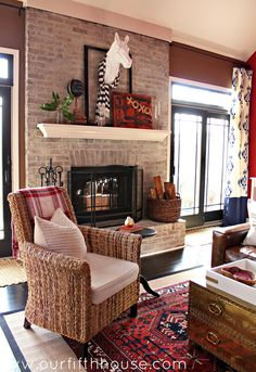 our fifth house: Simple Valentine Mantel Home Living Room, Living Spaces, Cottage Living, Cottage Style, Living Room Inspiration, Design Inspiration, Autumn Home, House Tours, The Help