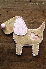 Biscuit dog felt, Isn't he just the cutest little dog. I could do one like this in pink & stitch a girl name or do it in blue accents w/a boy name and make it into either an ornament or a magnet for the fridge. So cute!!!