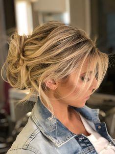 Para esse final de semana, nossa escolha de penteado é um coque texturizado feito pelo hairstylist Didier Sé em sua cliente Paula Perez.