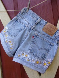 Daisy Daisy Dukes embroidered vintage 501 button fly high waisted Levi shorts