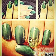#instgrame : Nails_ilouf #nails #beautiful hands #green