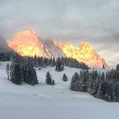 Goldener Wilder Kaiser – Bild des Monats im Dezember 2018 Wilder Kaiser, Mount Rainier, Mount Everest, Mountains, Illustration, Nature, Blog, Travel, Pictures
