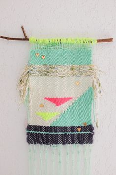Have you been searching for Weaving projects to inspire and motivate you? Learn a new skill & get inspired by any of these incredible weaving projects! Check out some of the most fabulous craft ideas to adorn your walls Weaving Textiles, Tapestry Weaving, Patch Bordado, Cuadros Diy, Weaving Wall Hanging, Wall Hangings, Weaving Projects, Loom Weaving, Yarn Crafts