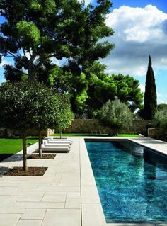 Cut stone pool deck