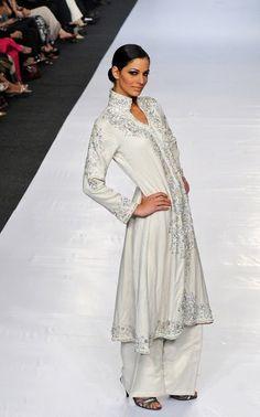 Bridel Fashion Trend & College Girls Fashion: Bollywood Fashion Trends 2011