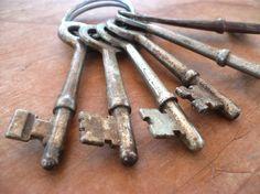 Vintage Antique Skeleton Keys