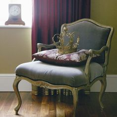 french christmas decorations ideas | French-style armchair | Christmas decorating ideas | Eco farmhouse ...