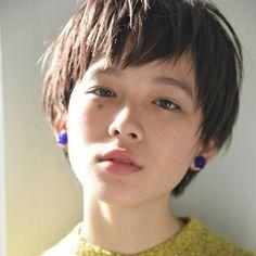 Pin on 髪型 Asian Short Hair, Girl Short Hair, Short Hair Cuts, Short Hair Styles, Cute Hairstyles For Short Hair, Hairstyles With Bangs, Easy Hairstyles, Androgynous Haircut, Haircut And Color